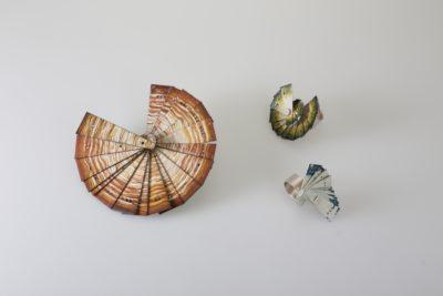 """Viktoria Eichinger<br>""""Fächerung"""", Brosche+Ringe"""